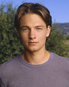 Oh, how we've missed you! (And, oh, how we're still waiting for Everwood on DVD!)